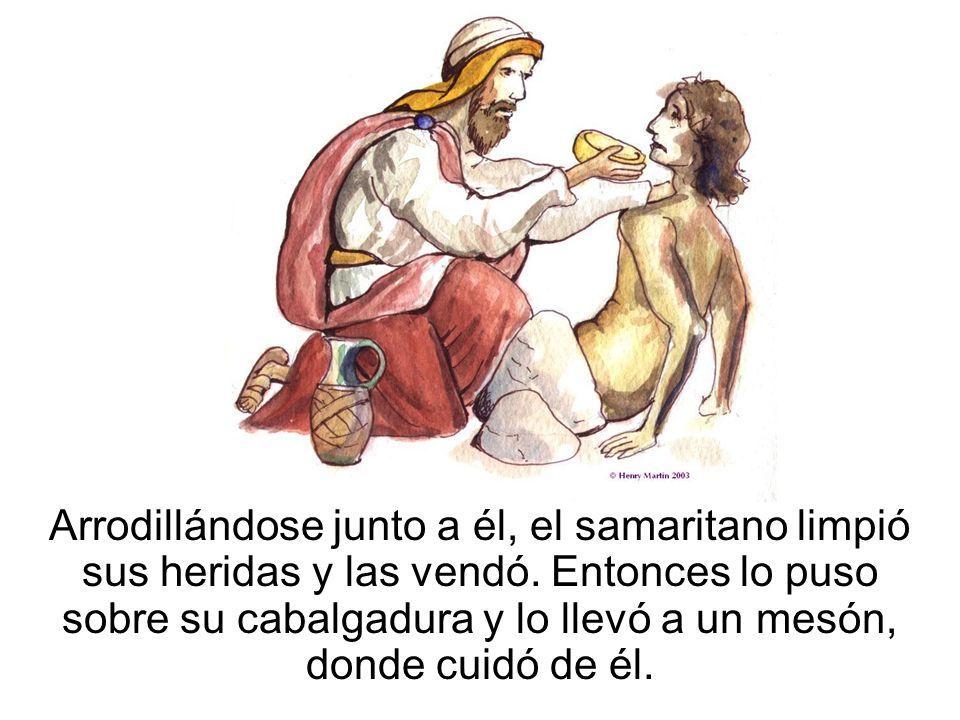 Arrodillándose junto a él, el samaritano limpió sus heridas y las vendó.