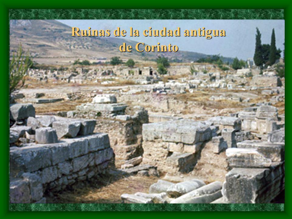 Ruinas de la ciudad antigua de Corinto