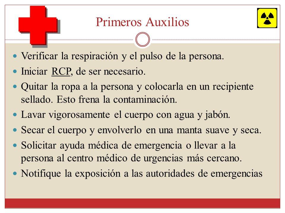 Primeros Auxilios Verificar la respiración y el pulso de la persona.