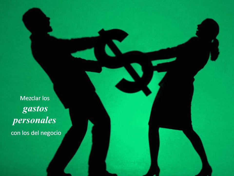 Mezclar los gastos personales con los del negocio