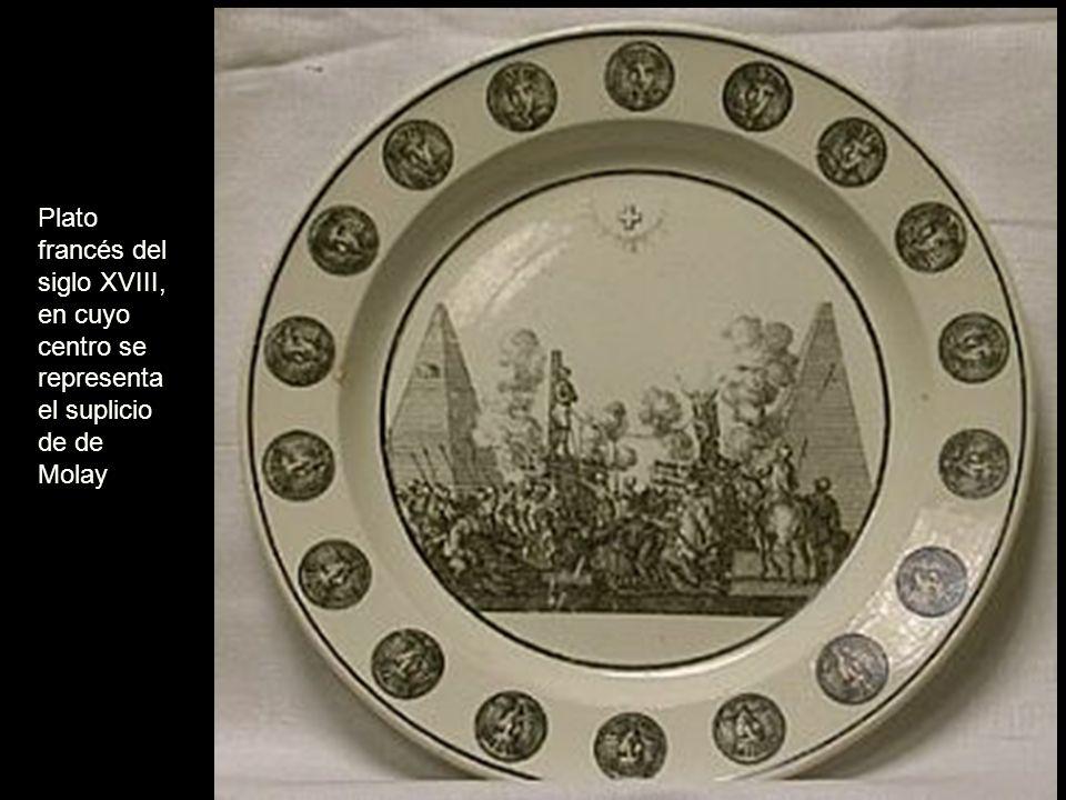 Plato francés del siglo XVIII, en cuyo centro se representa el suplicio de de Molay