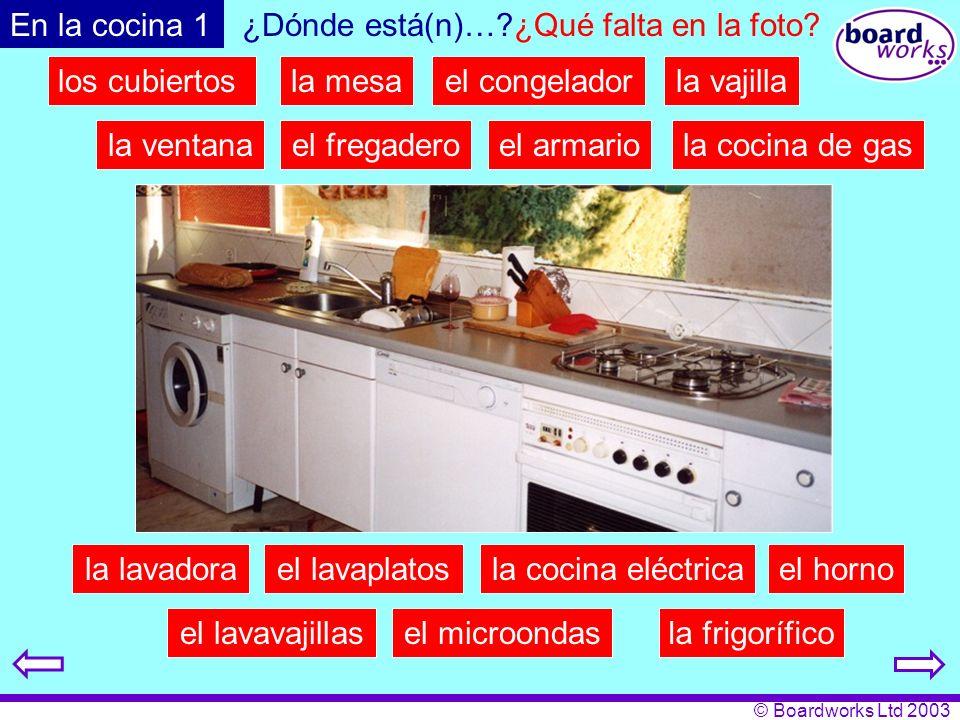 En la cocina 1 ¿Dónde está(n)… ¿Qué falta en la foto los cubiertos