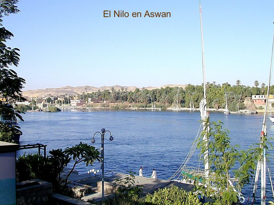 Nile River in Aswan El Nilo en Aswan The Nile River in Aswan