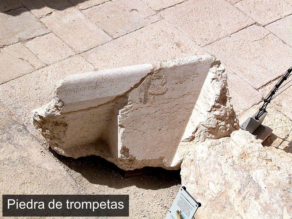 Piedra de trompetas Trumpeting stone The Trumpeting Stone