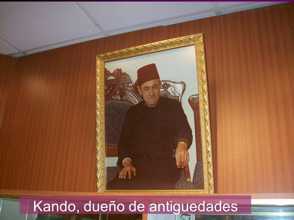 Kando, dueño de antiguedades