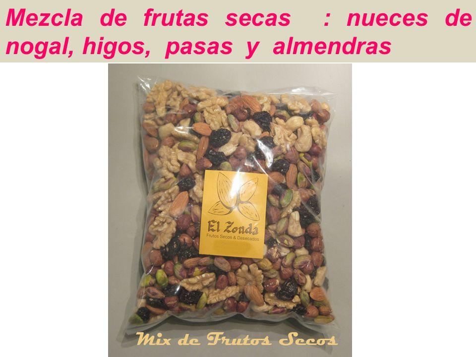 Mezcla de frutas secas : nueces de nogal, higos, pasas y almendras