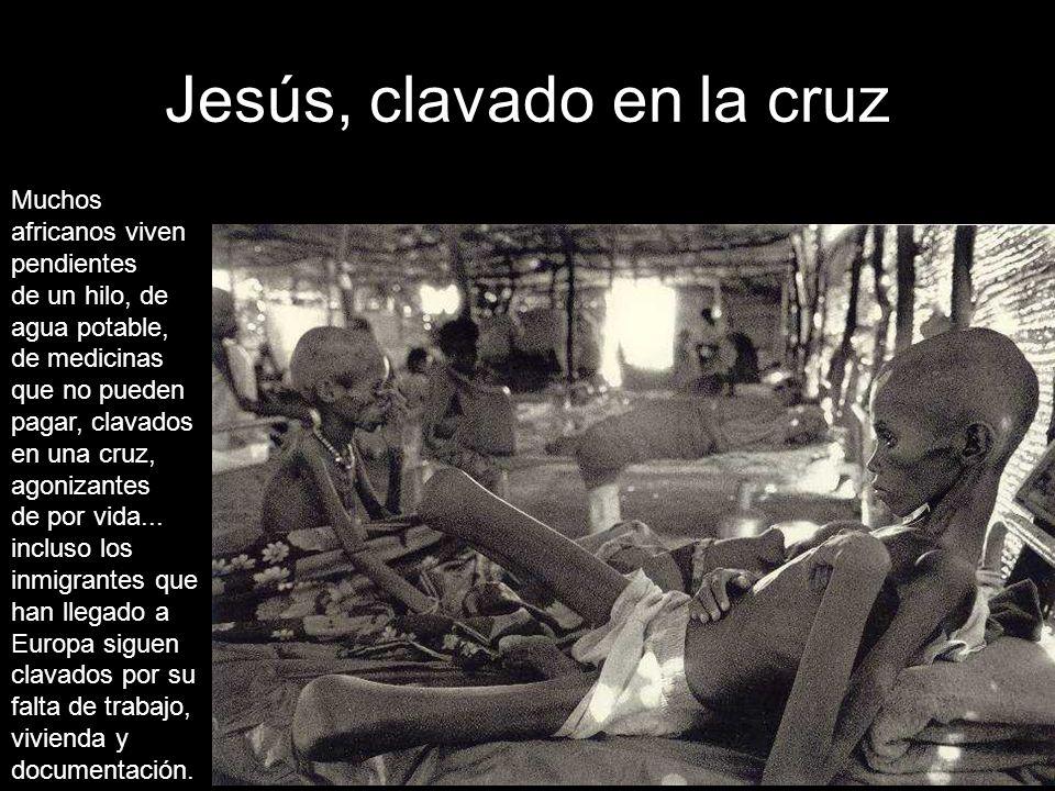 Jesús, clavado en la cruz