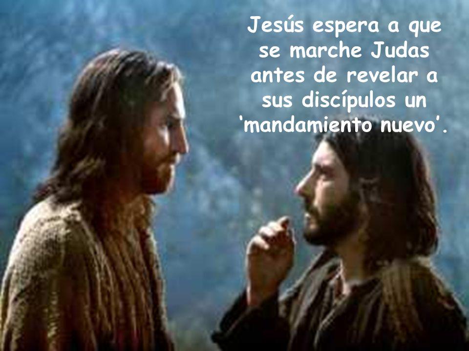 Jesús espera a que se marche Judas antes de revelar a sus discípulos un 'mandamiento nuevo'.