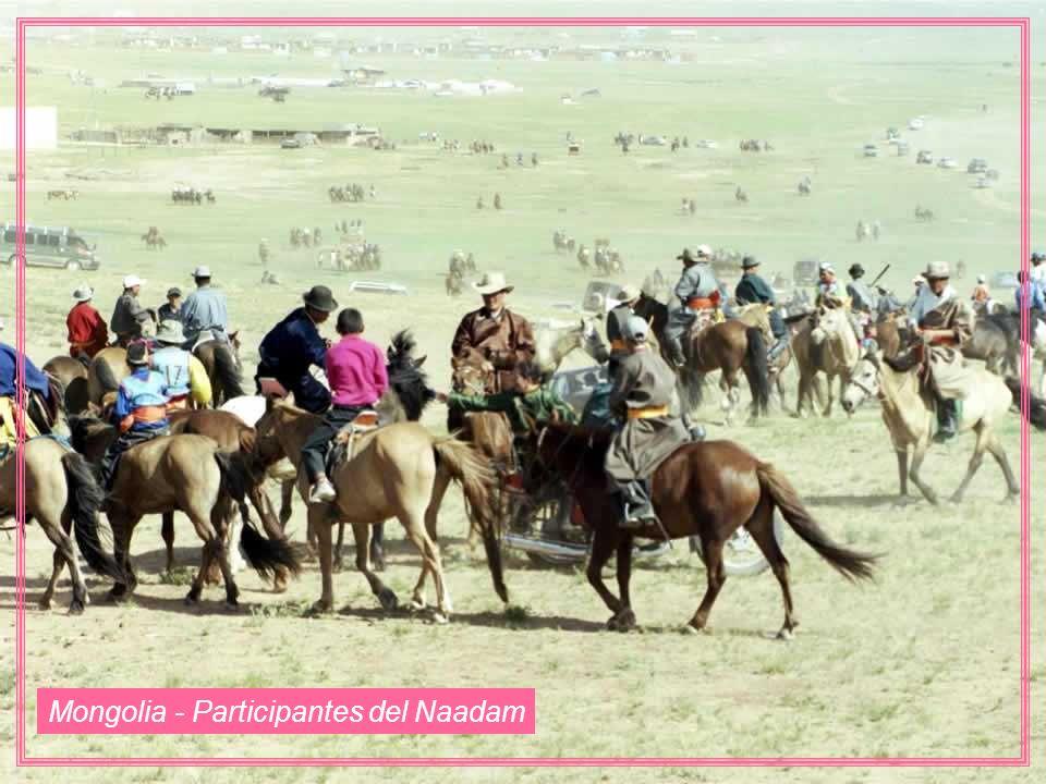 Mongolia - Participantes del Naadam