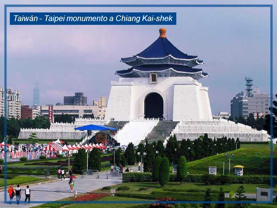 Taiwán - Taipei monumento a Chiang Kai-shek