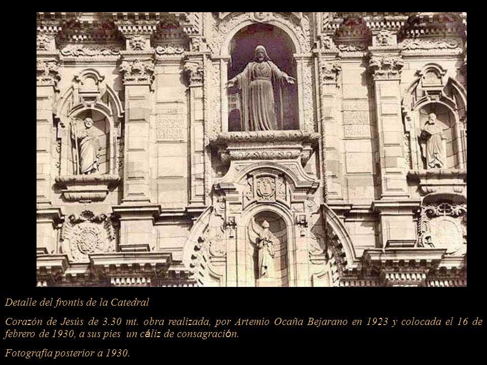 Detalle del frontis de la Catedral