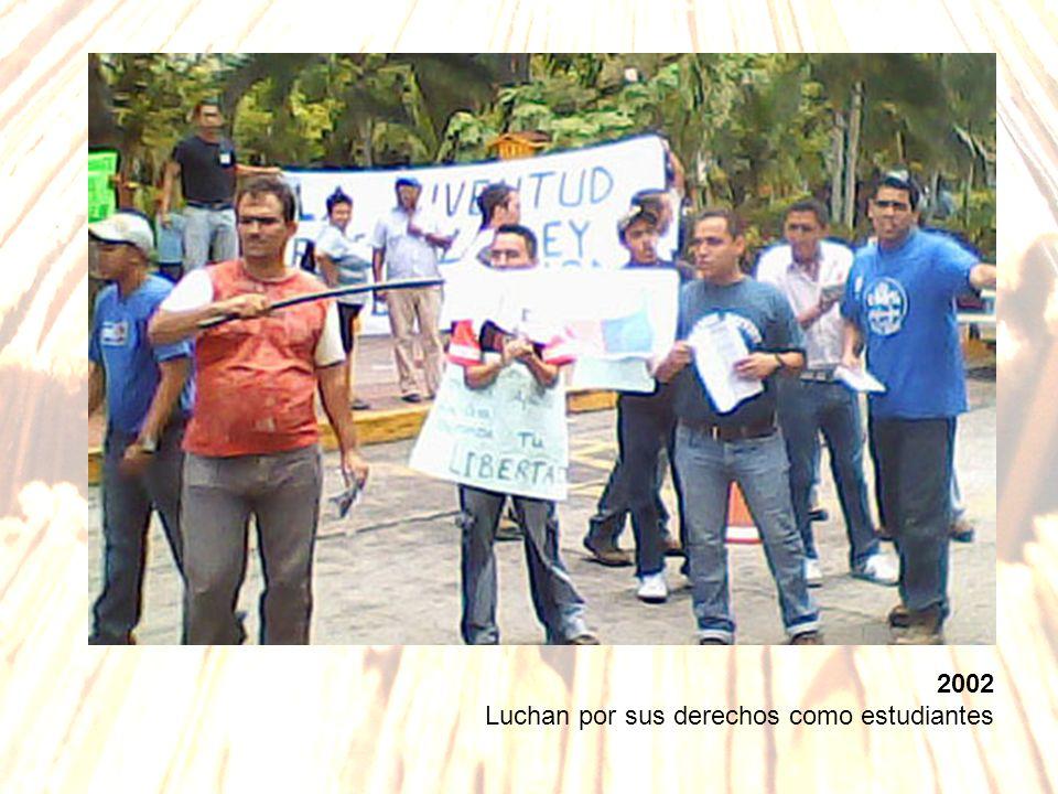 2002 Luchan por sus derechos como estudiantes