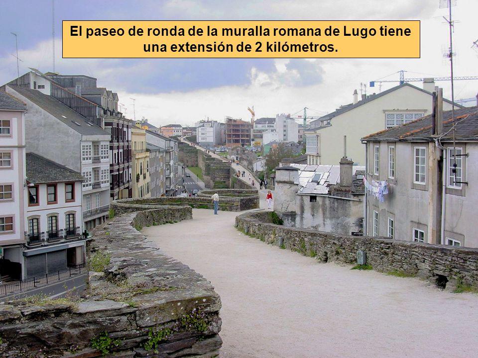 El paseo de ronda de la muralla romana de Lugo tiene una extensión de 2 kilómetros.