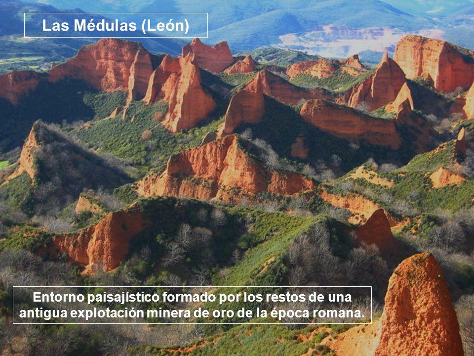 Las Médulas (León) Entorno paisajístico formado por los restos de una antigua explotación minera de oro de la época romana.