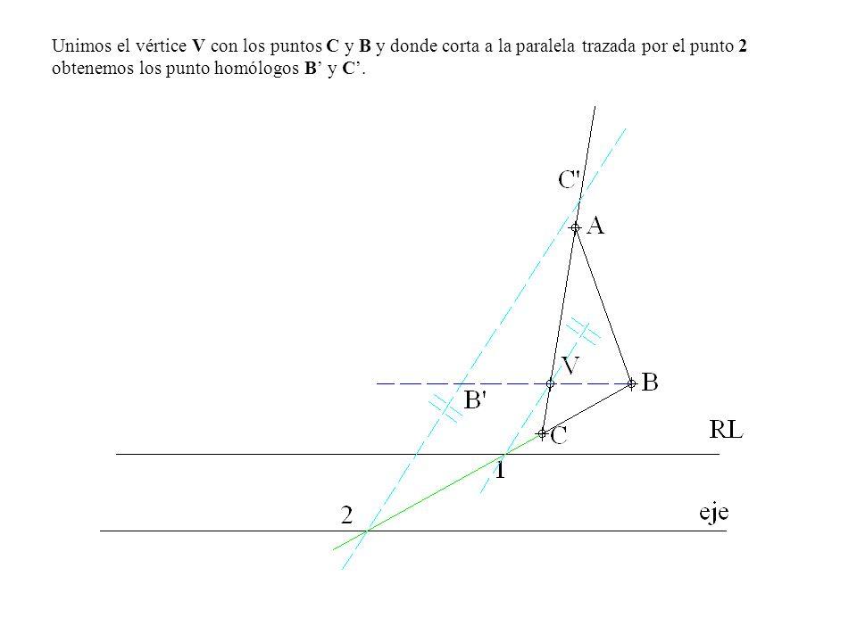 Unimos el vértice V con los puntos C y B y donde corta a la paralela trazada por el punto 2 obtenemos los punto homólogos B' y C'.