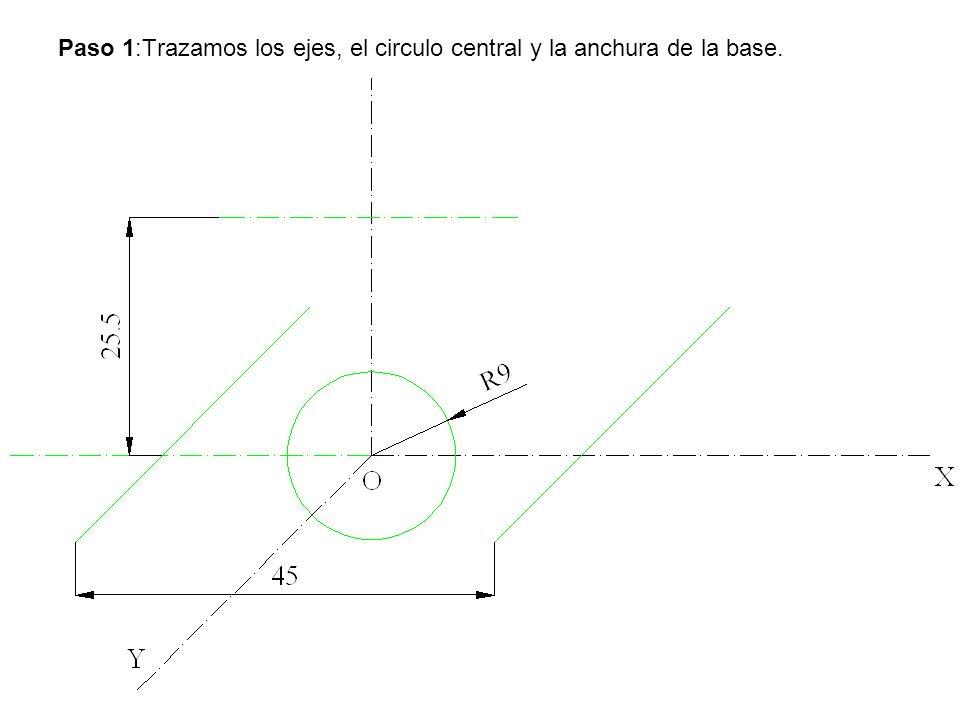 Paso 1:Trazamos los ejes, el circulo central y la anchura de la base.