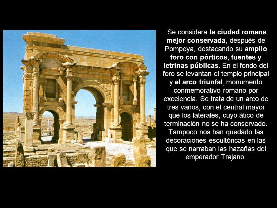 Se considera la ciudad romana mejor conservada, después de Pompeya, destacando su amplio foro con pórticos, fuentes y letrinas públicas.