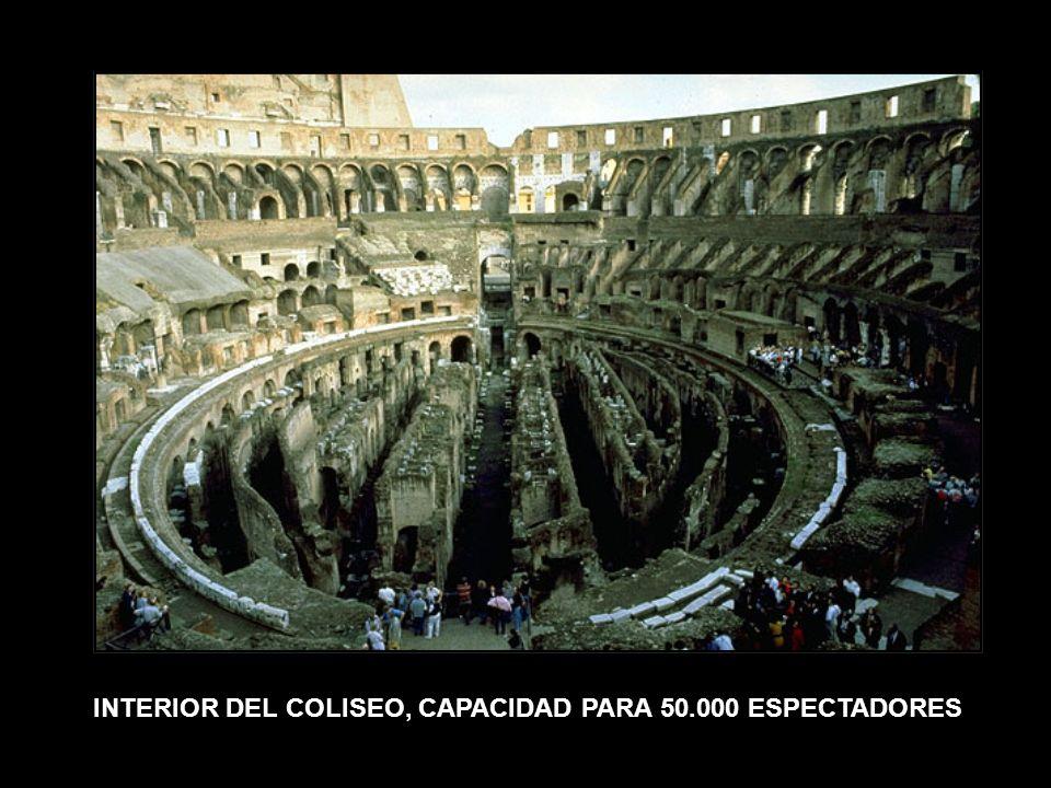 INTERIOR DEL COLISEO, CAPACIDAD PARA 50.000 ESPECTADORES