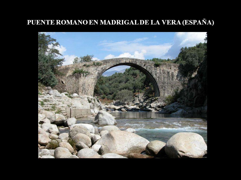PUENTE ROMANO EN MADRIGAL DE LA VERA (ESPAÑA)