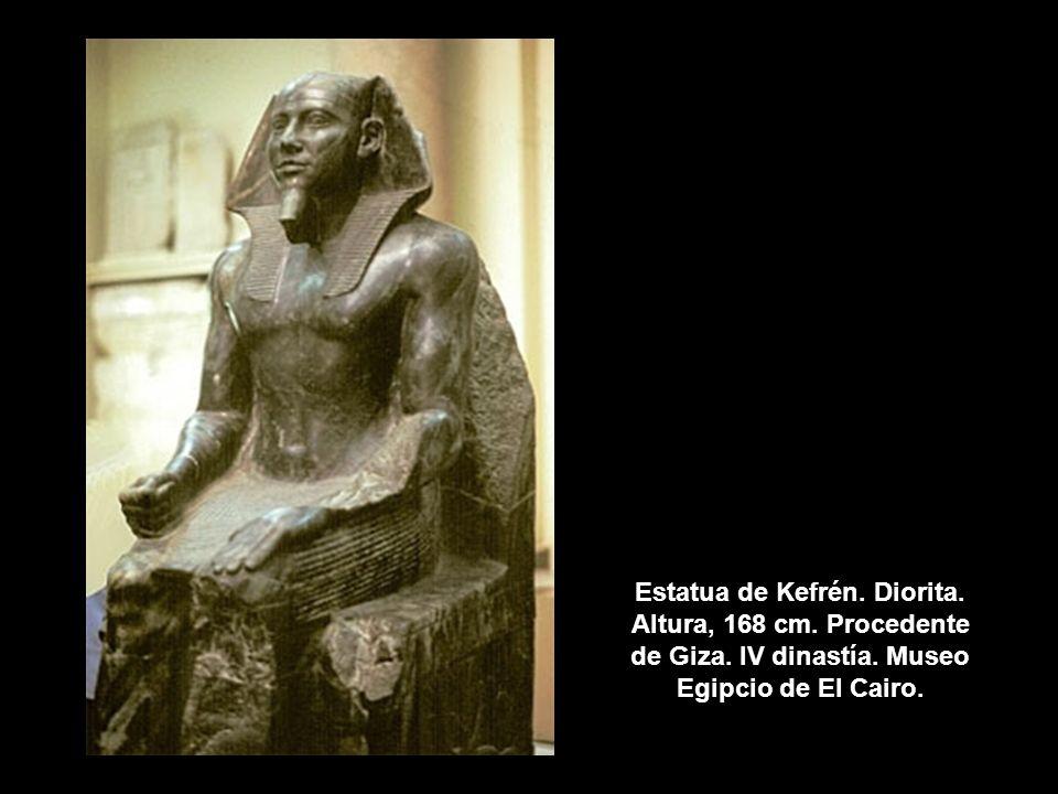Estatua de Kefrén. Diorita. Altura, 168 cm. Procedente de Giza