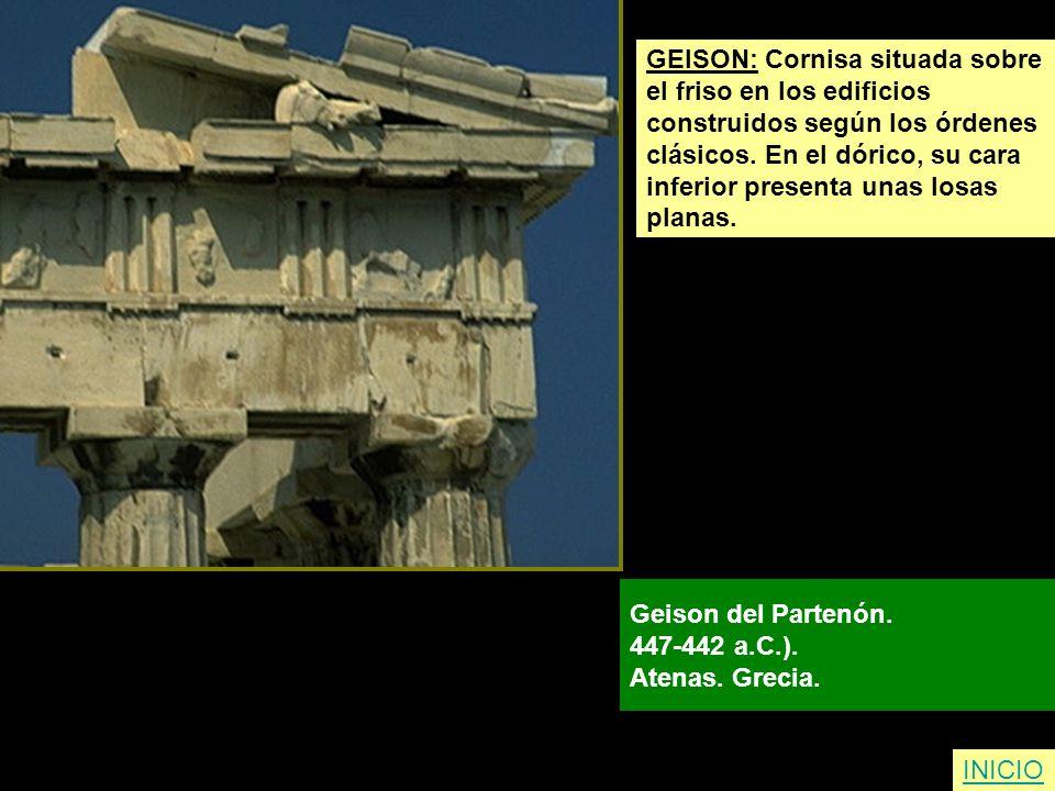 GEISON: Cornisa situada sobre