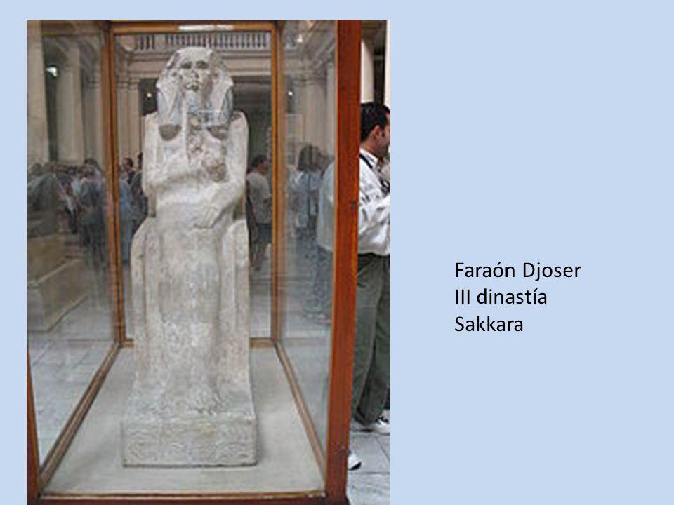 Faraón Djoser III dinastía Sakkara