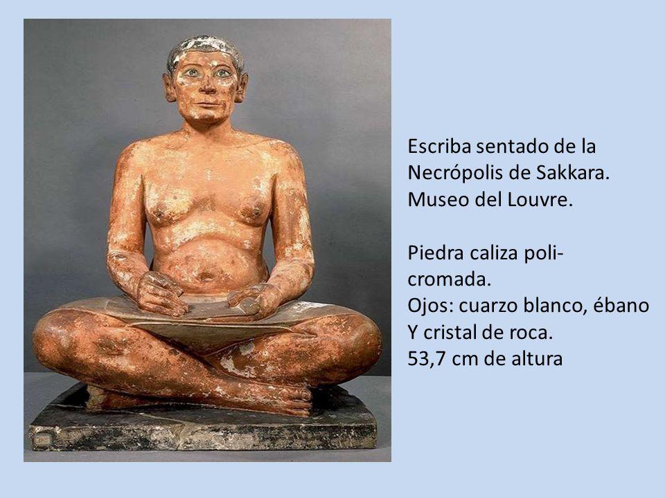 Escriba sentado de la Necrópolis de Sakkara. Museo del Louvre. Piedra caliza poli- cromada. Ojos: cuarzo blanco, ébano.