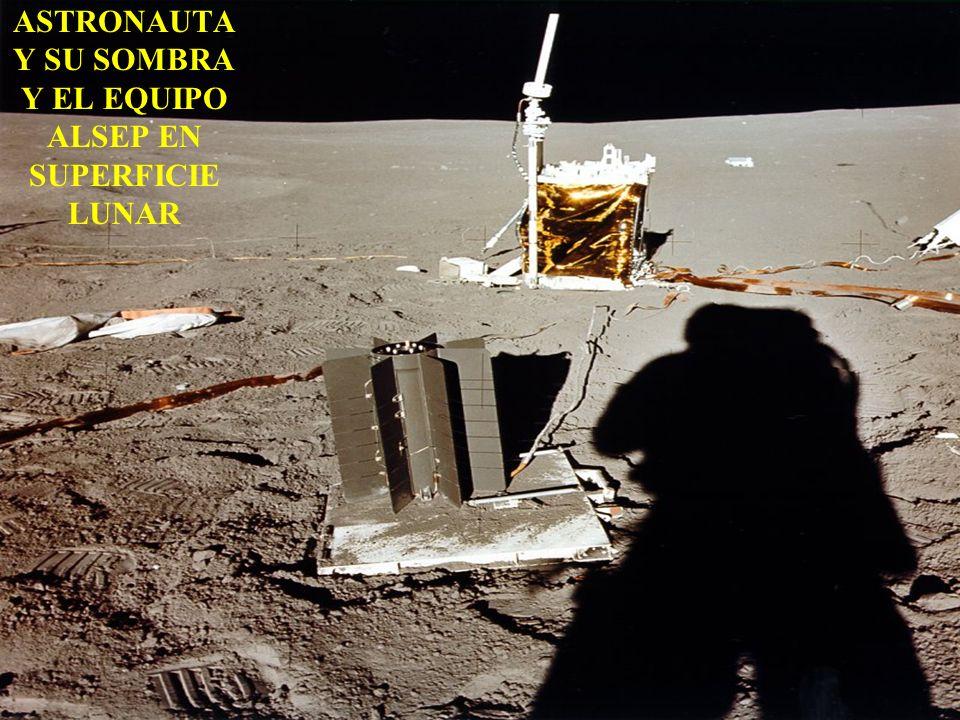 ASTRONAUTA Y SU SOMBRA Y EL EQUIPO ALSEP EN SUPERFICIE LUNAR