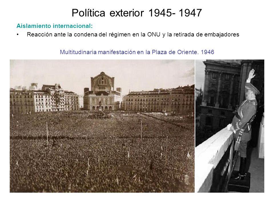 Multitudinaria manifestación en la Plaza de Oriente. 1946