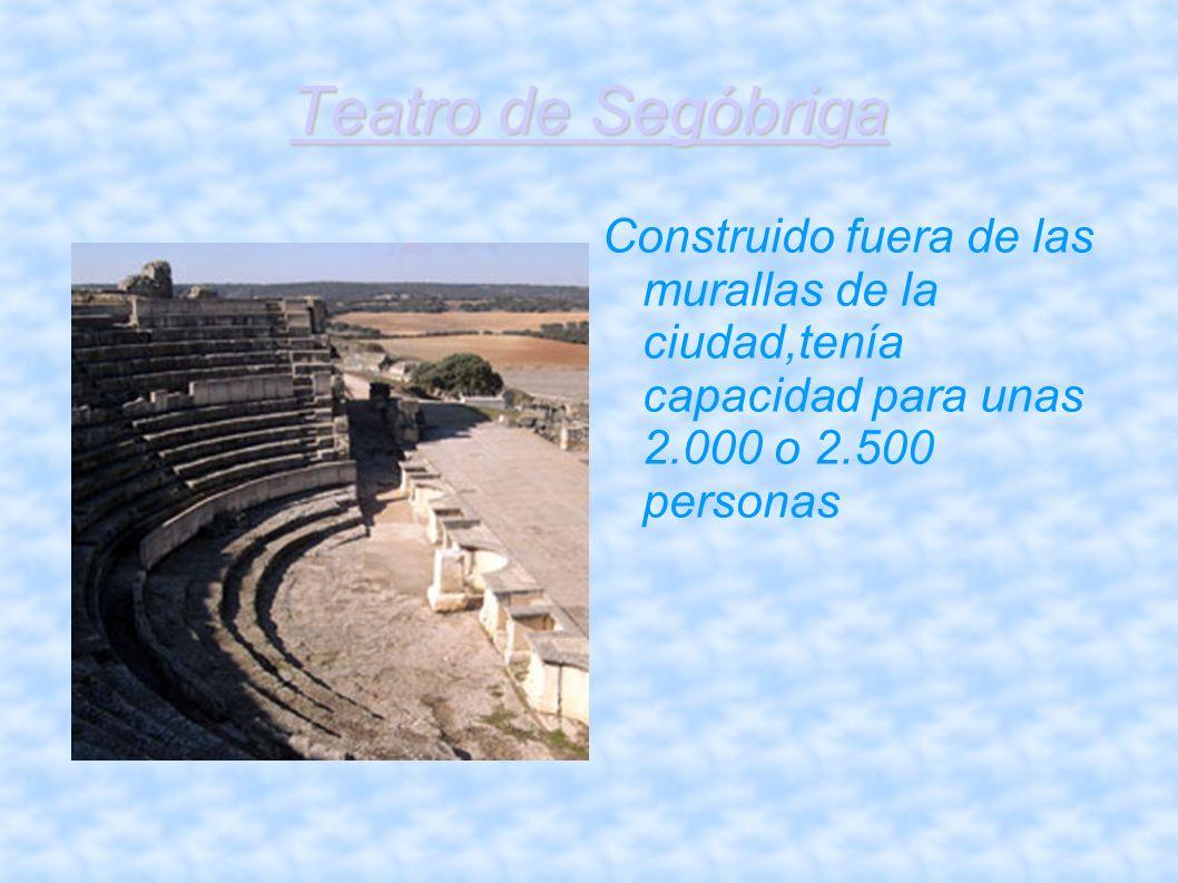 Teatro de Segóbriga Construido fuera de las murallas de la ciudad,tenía capacidad para unas 2.000 o 2.500 personas.