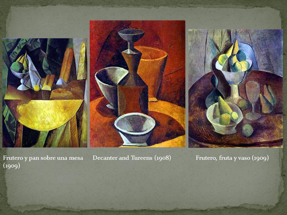 Frutero y pan sobre una mesa (1909)