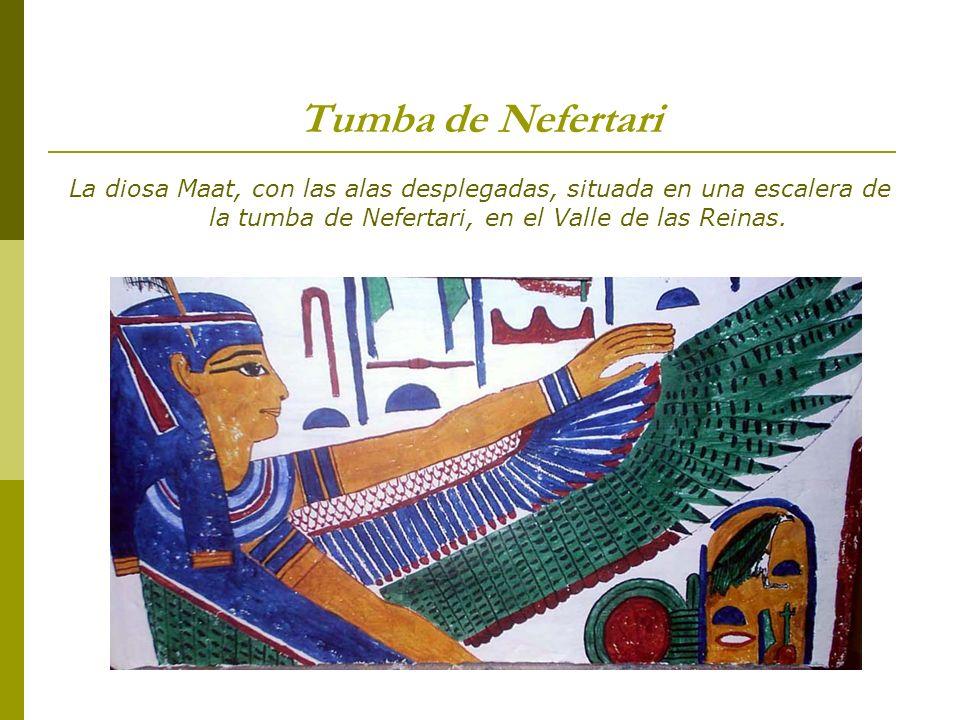 Tumba de NefertariLa diosa Maat, con las alas desplegadas, situada en una escalera de la tumba de Nefertari, en el Valle de las Reinas.