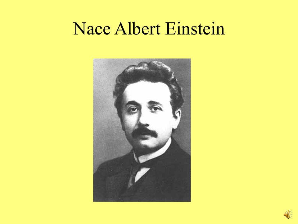 Nace Albert Einstein
