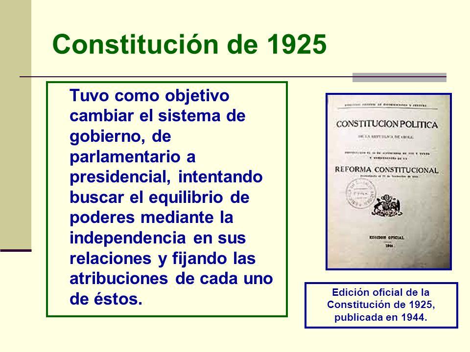 Edición oficial de la Constitución de 1925, publicada en 1944.