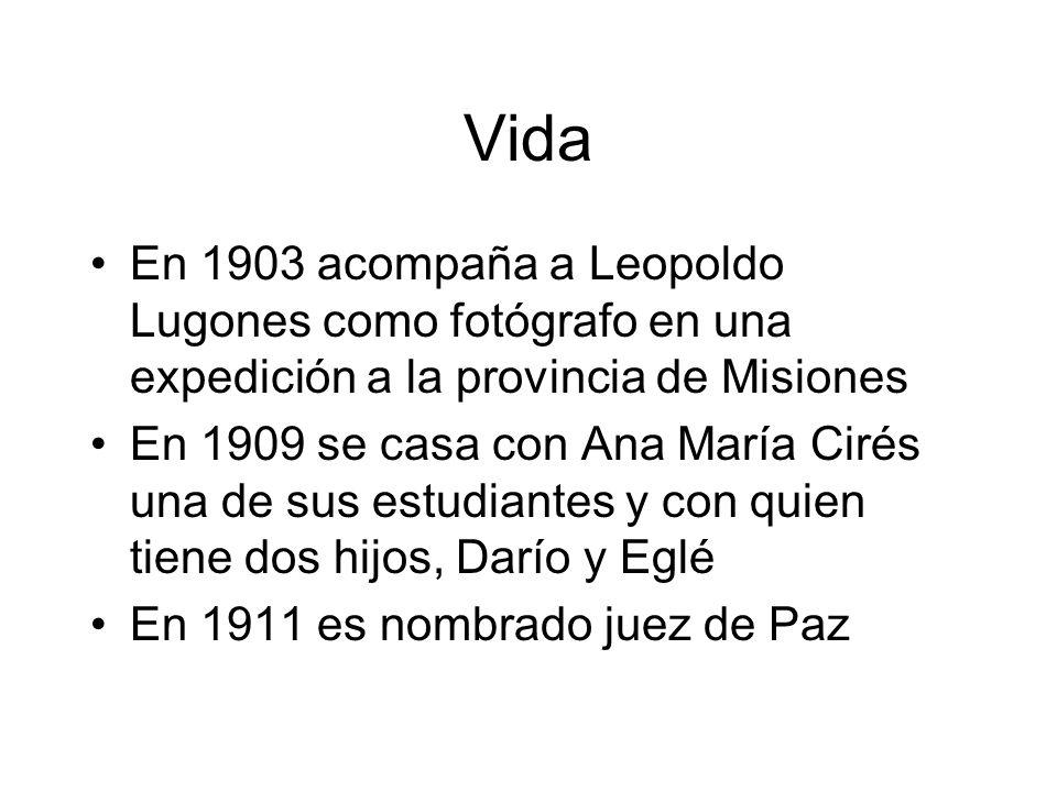 Vida En 1903 acompaña a Leopoldo Lugones como fotógrafo en una expedición a la provincia de Misiones.