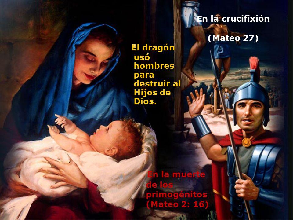 En la crucifixión (Mateo 27)