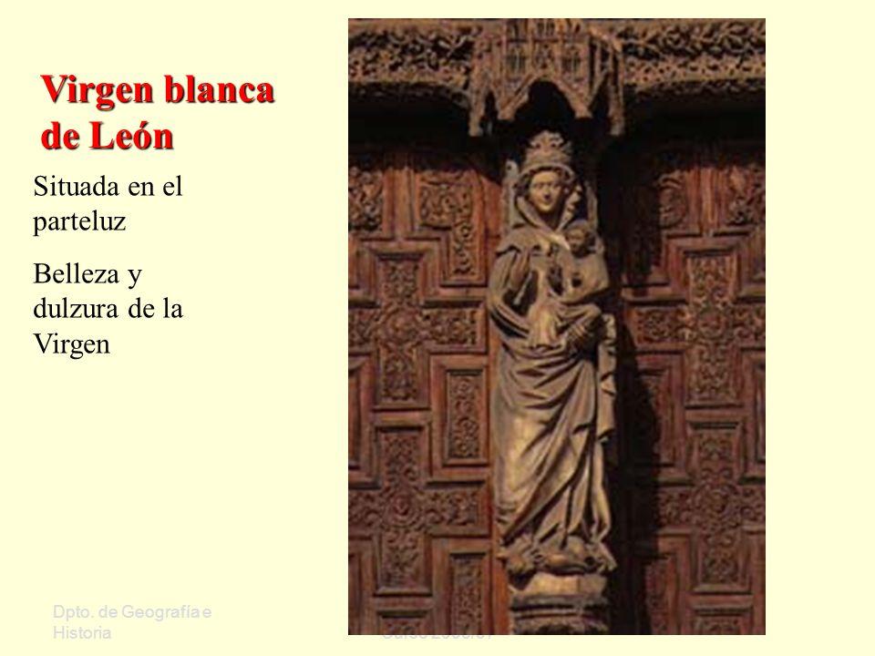 Virgen blanca de León Situada en el parteluz