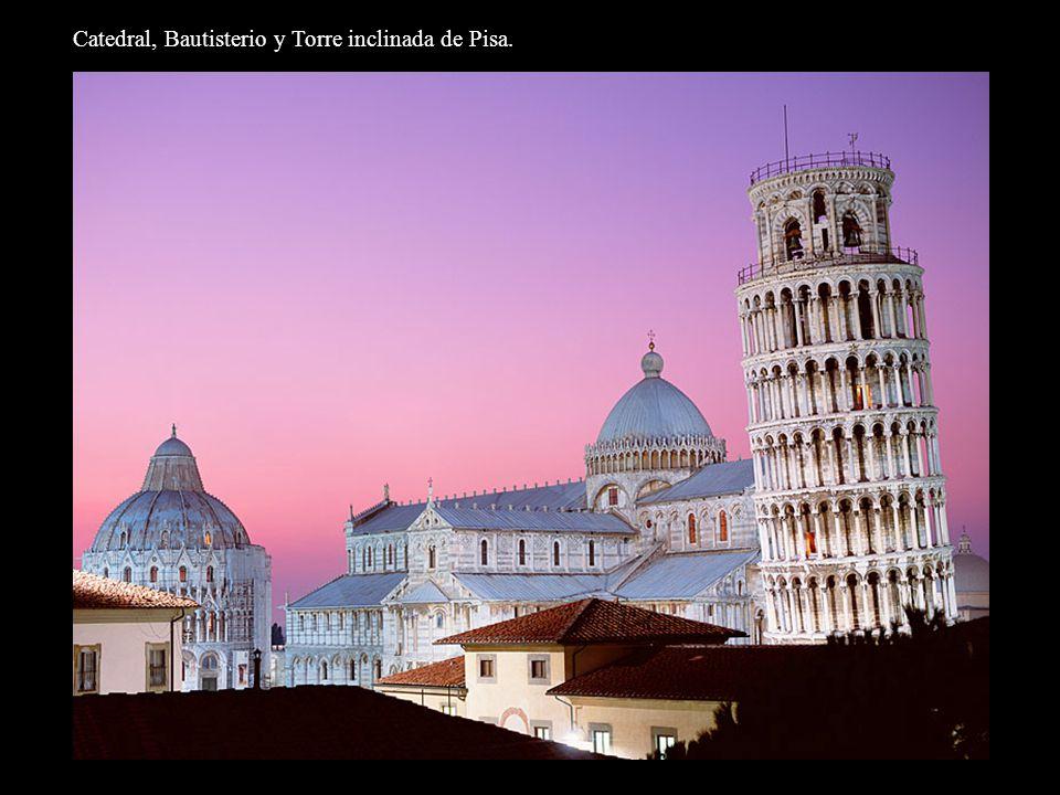 Catedral, Bautisterio y Torre inclinada de Pisa.