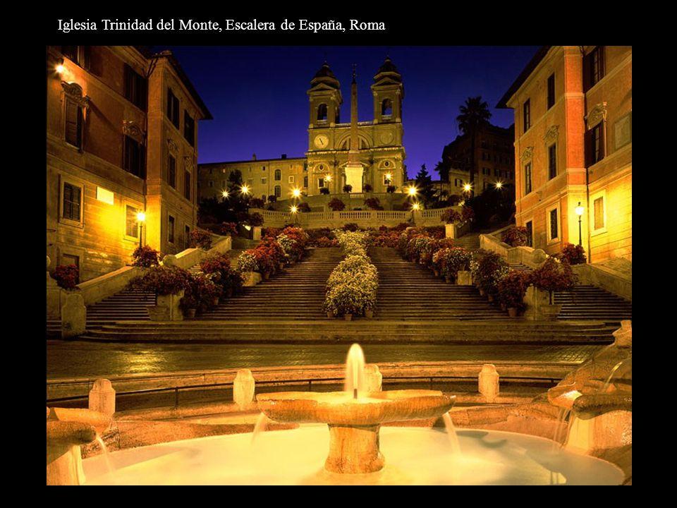 Iglesia Trinidad del Monte, Escalera de España, Roma