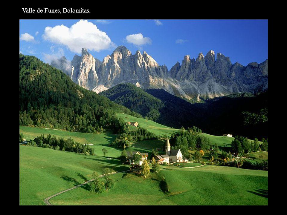 Valle de Funes, Dolomitas.