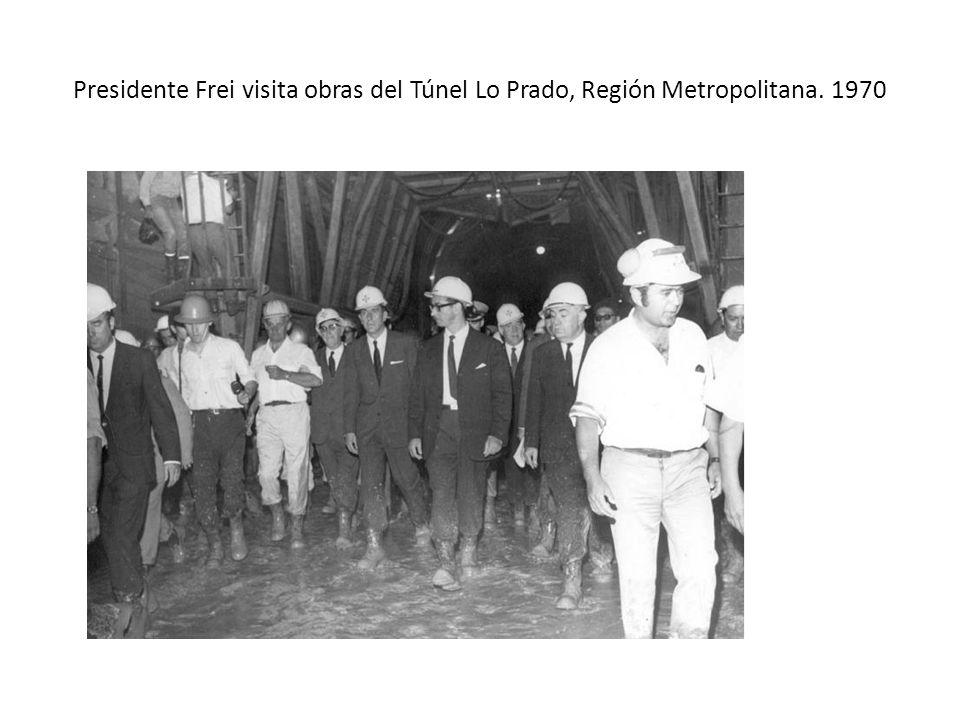 Presidente Frei visita obras del Túnel Lo Prado, Región Metropolitana
