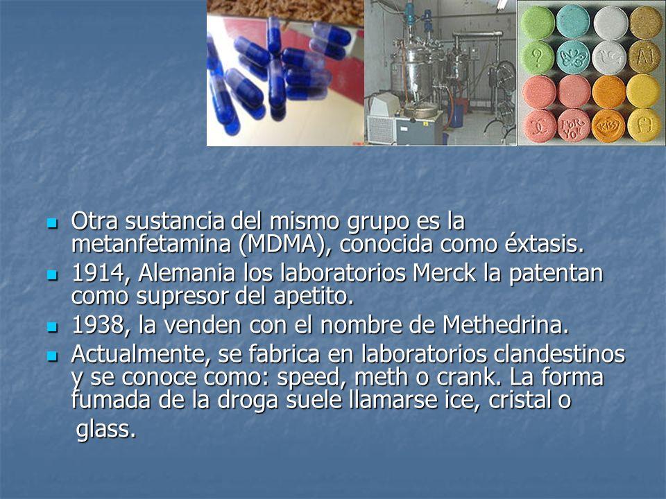 Otra sustancia del mismo grupo es la metanfetamina (MDMA), conocida como éxtasis.
