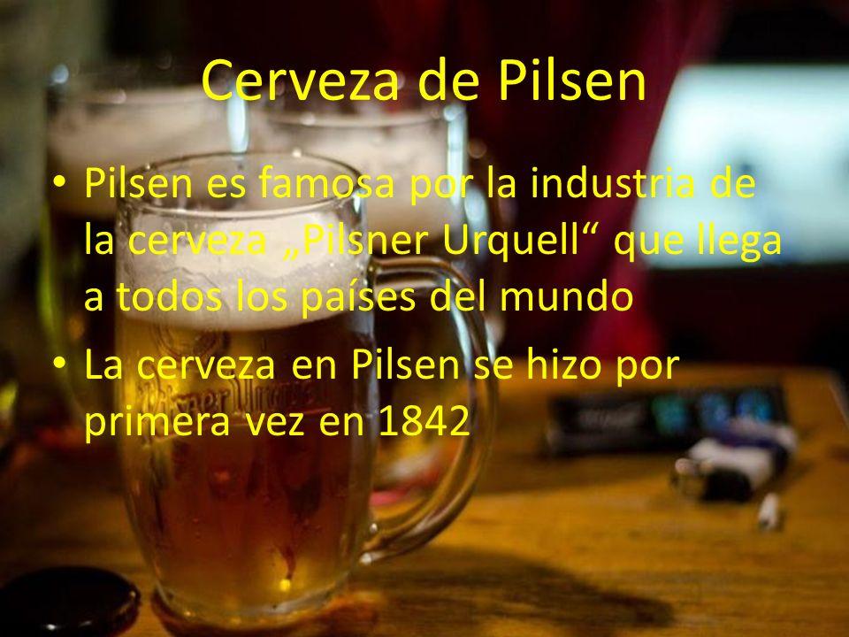 """Cerveza de Pilsen Pilsen es famosa por la industria de la cerveza """"Pilsner Urquell que llega a todos los países del mundo."""
