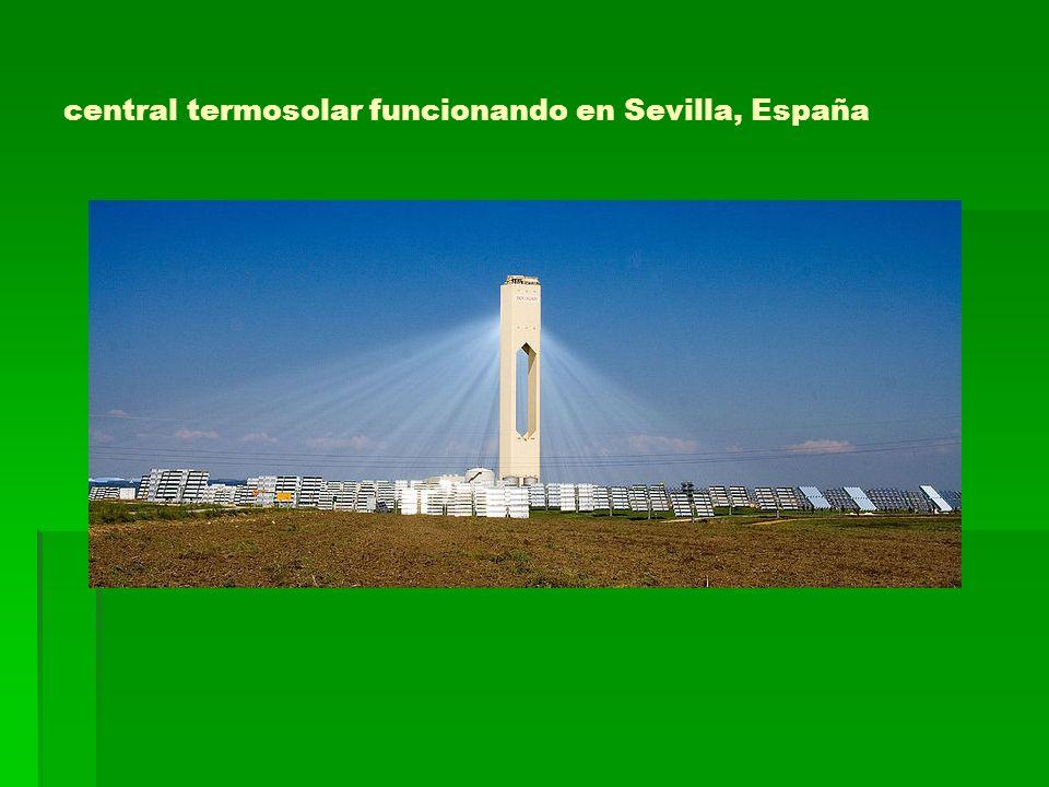 central termosolar funcionando en Sevilla, España