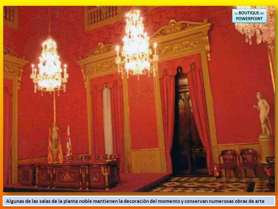 Algunas de las salas de la planta noble mantienen la decoración del momento y conservan numerosas obras de arte