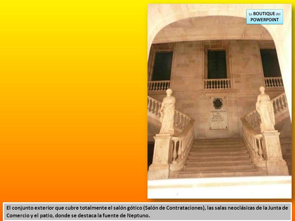 El conjunto exterior que cubre totalmente el salón gótico (Salón de Contrataciones), las salas neoclásicas de la Junta de Comercio y el patio, donde se destaca la fuente de Neptuno.