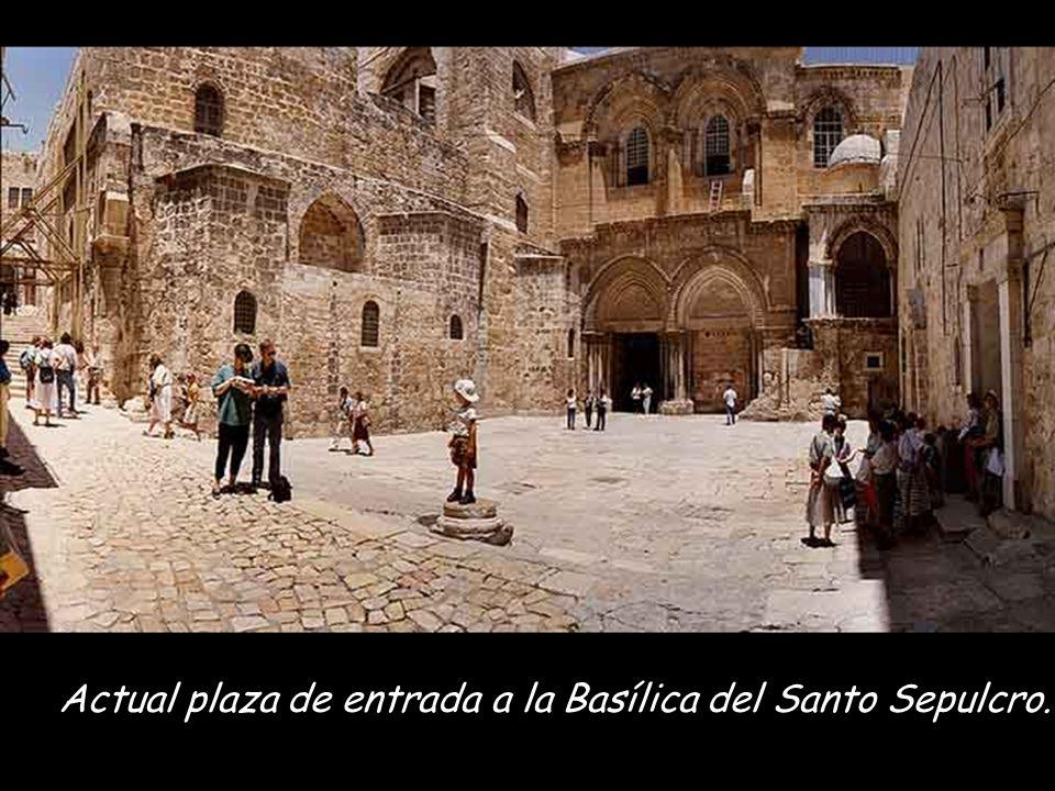 Actual plaza de entrada a la Basílica del Santo Sepulcro.