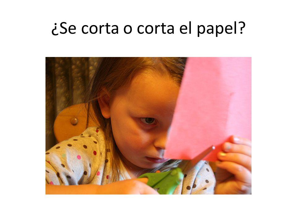 ¿Se corta o corta el papel