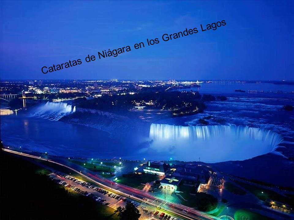 Cataratas de Niágara en los Grandes Lagos