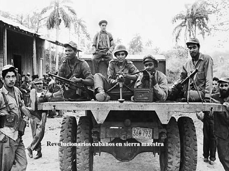 Revolucionarios cubanos en sierra maestra